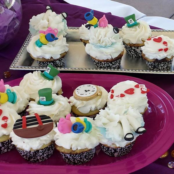 Alice Theme Cupcakes