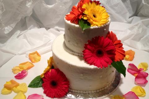 2 Tier Daisy Cake