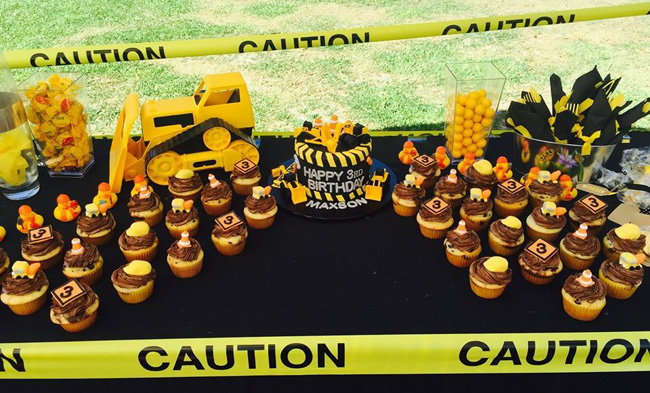 Construction Cake & Cupcakes