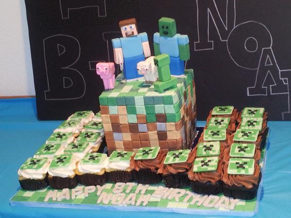 Minecraft Cake & Cupcakes