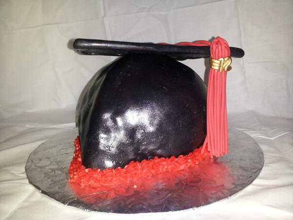 3D Graduation Hat Cake