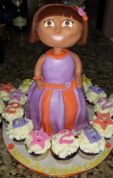 3D Dora Cake & Cupcakes